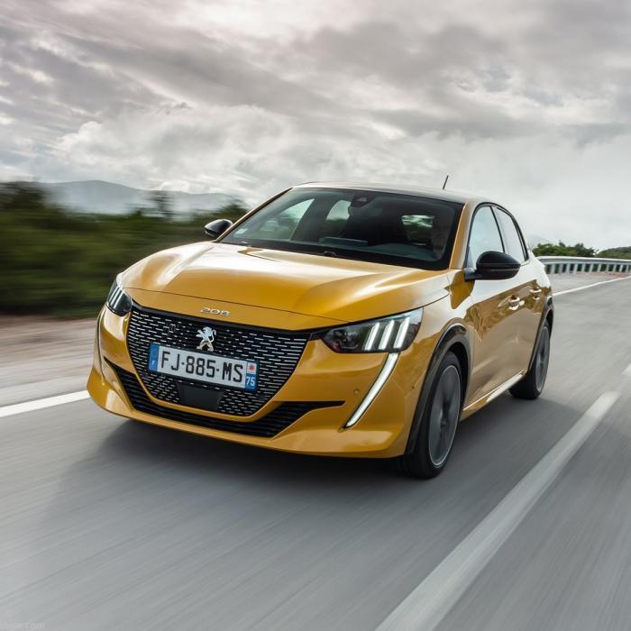 NOU: Peugeot 208 (Automat)
