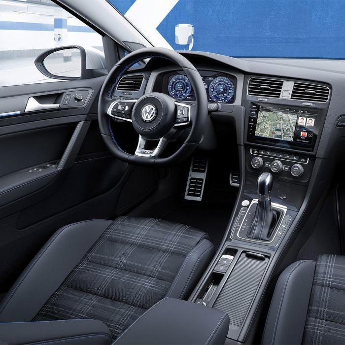 Volkswagen Golf (Automat)