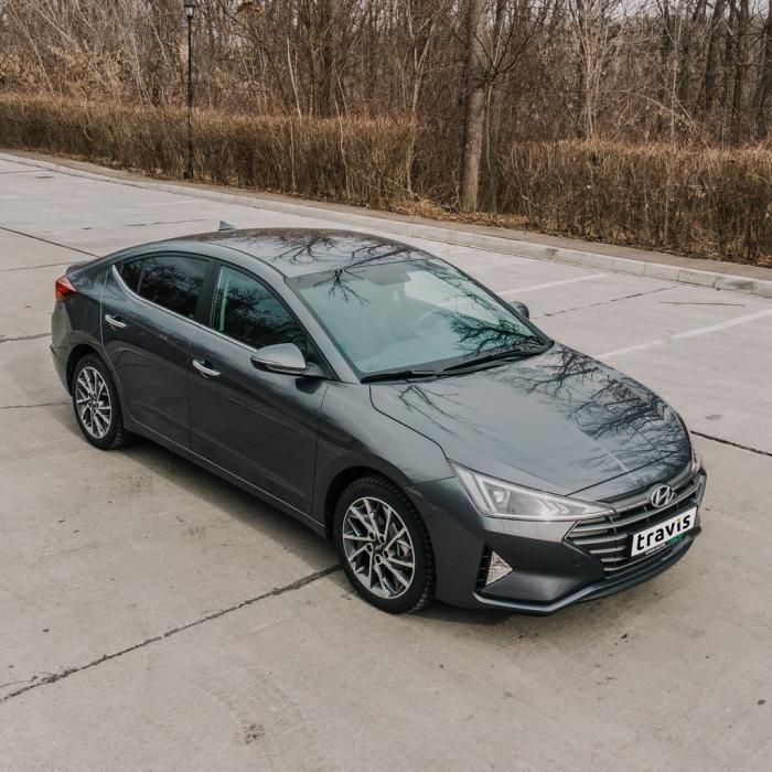 Hyundai Elantra (Automat)