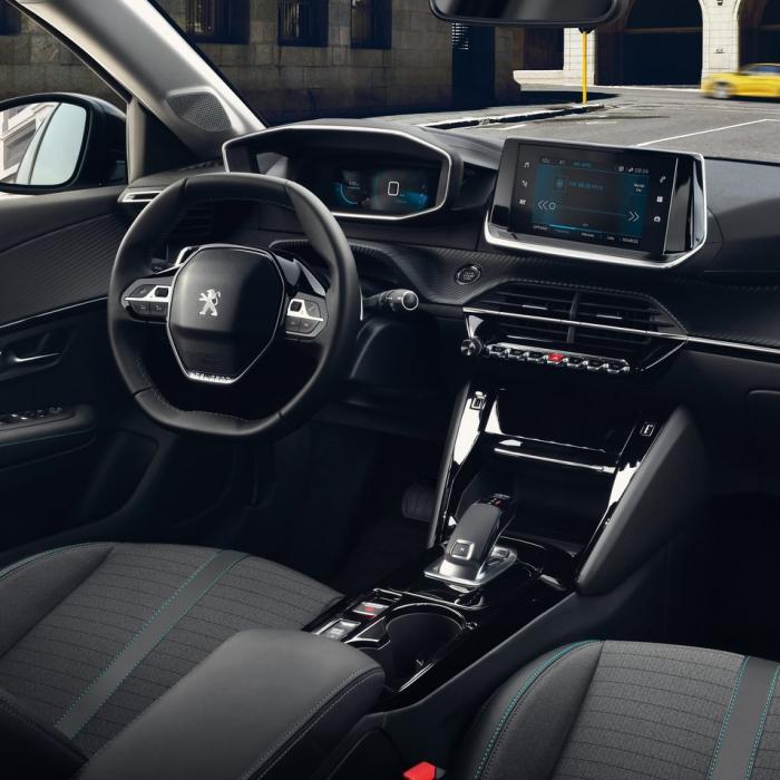 Peugeot 208 (Automat)