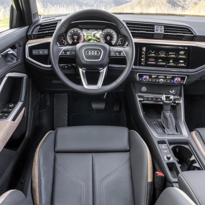 Audi Q3 S-Line (Automat)